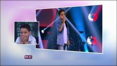Igor Silveira revela que não percebeu quando falou 'ovo' no 'The Voice Kids' - Menino foi sucesso na audição às cegas com música em espanhol e gafe que virou febre na internet. Ele conta que começou a cantar aos 2 anos