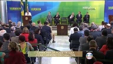 Dilma dá posse aos novos ministros no Palácio do Planalto - A presidente deu uma entrevista coletiva durante a cerimônia de posse de Lula, Eugênio Aragão, Mauro Lopes e Jaques Wagner.
