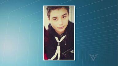 Garoto de 14 anos é assassinado em tentativa de assalto a caminho da escola - Crime aconteceu no bairro do Catiapoã, São Vicente.