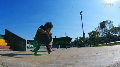 Pé Na Estrada E Skate Na Madrugada