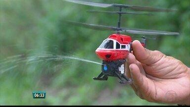 Drones são aliados no combate ao mosquito Aedes em Pernambuco - Alunos estão sendo treinados para manusear o equipamento em busca de focos.