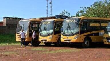 Maioria dos ônibus do transporte escolar de Chapada dos Guimarães é reprovada - Maioria dos ônibus do transporte escolar de Chapada dos Guimarães é reprovada durante vistoria