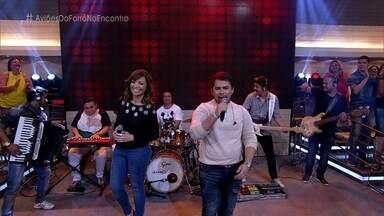 Aviões do Forró canta 'Fiquei Sabendo' - Convidados se contagiam ao som da banda e dançam no palco do 'Encontro'