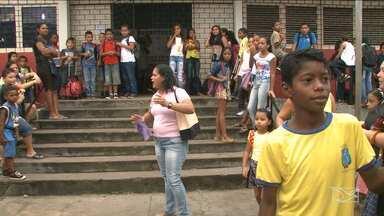Pais e alunos denunciam situação de abandono em escola pública em São Luís - Segundo os pais, escola foi fechada para reforma, mas após reabertura para início das aulas, a situação estava a mesma.