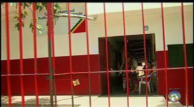 Ano letivo está atrasado em unidade municipal de ensino de Caruaru - Informação é de alunos da instituição, que afirmam que motivo é uma obra inacabada.