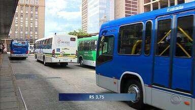 Tarifa de ônibus volta a custar R$ 3,75 em Porto Alegre - Passagem de lotação custará R$ 5,60, de acordo com prefeitura da capital.