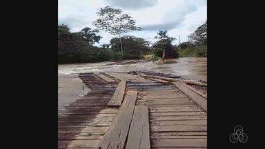 Família fica desalojadas após forte chuva alaga Jaru - O rio Jaru subiu com a forte chuva e causou vários estragos na cidade. Mais de cem famílias estão desalojadas. Uma ponte foi arrastada pela correnteza.