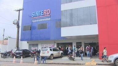 Professores não aceitam proposta da Prefeitura de Porto Velho e continuam em greve - A Prefeitura ofereceu R$ 80,00 de gratificação e um aumento no vale-alimentação. A proposta foi recusada pela categoria.