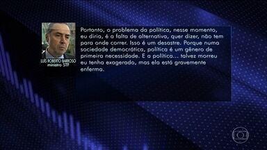 Luís Roberto Barroso, ministro do STF, fala sobre impeachment em palestra - A fala com conteúdo mais explícito sobre a política saiu na quinta-feira (31) do ministro Luís Roberto Barroso, que conseguiu falar mal de todas as forças políticas, dentro, que estavam dentro, e que estão fora do governo.