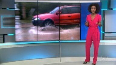 Por causa das fortes chuvas, várias cidades do Nordeste ficaram alagadas - No Sul do país também teve tempestade, e em Uruguaiana, 10% da cidade ficou sem luz. A previsão é de mais chuva para o Nordeste no domingo (3).
