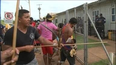 Índios ocupam sede de empresa responsável por construção da Belo Monte, no PA - Índios de nove etnias da região do Xingu estão acampados na sede da Norte Energia desde a terça-feira (5), no Pará. A empresa é responsável pela construção da usina de Belo Monte. Eles afirmam que as obras de contrapartida estão atrasadas.