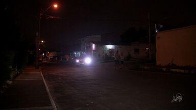 Moradores da Maraponga reclamam da insegurança - Há ruas que não possuem iluminação.