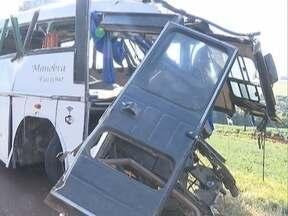 Acidente com ônibus de sacoleiros de Presidente Prudente mata dez pessoas - Ocorrência foi no Estado do Paraná, durante viagem para o Paraguai.