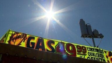 Preço do botijão de gás de 13 kg pode variar até 70% entre estabelecimentos em BH - De acordo com uma pesquisa do Procon da Assembleia Legislativa de Minas Gerais, o preço médio do botijão de 13 kg, que é o mais vendido, subiu 1,46%.