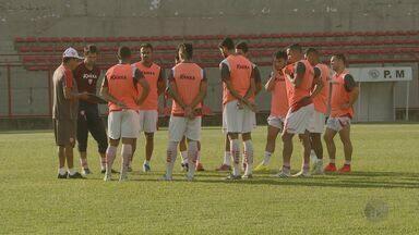 Mogi Mirim enfrenta Palmeiras neste domingo (10) - Time precisa da vitória e da derrota de adversários para escapar do rebaixamento. Partida acontece às 16h.