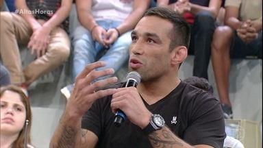 Fabrício Werdum fala sobre a preparação para a próxima luta - Lutador quer manter o cinturão no Brasil