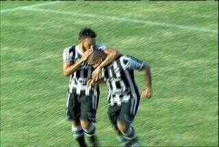 Aos 32, Rafael Costa faz o segundo do Ceará, também de pênalti - Rafael Costa cobra rasteiro e manda do lado direito. Não deu para o goleiro Alex , que chega atrasado. 2 a 1 para o Ceará