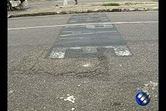 Moradores reclamam de falta de sinalização - População afirma ainda que sinalização existente na área é confusa.