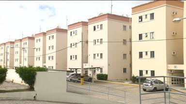 Insegurança em Campina Grande - Circuito de segurança mostra moradores de prédio em Bodocongó sendo assaltados.No bairro do Alto Branco, estudantes de universidade particular são assaltados dentro de Ônibus.