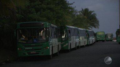 Paralisação de rodoviários causa problemas na capital baiana - Os ônibus ficaram parados por quatro horas e só começaram a rodar a partir das 8h.