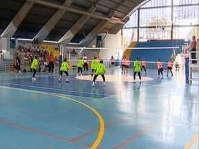 Alegria e companheirismo fazem parte dos Jogos Regionais do Idoso - Dia foi de muitos jogos e decisões para algumas equipes.