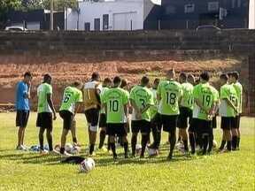 Presidente Prudente Futebol Clube estreia na Segundona do Paulista contra o Assisense - Renovado, time busca aprimoramento em treinos.