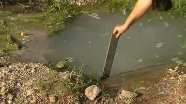 Cano quebrado desperdiça água há dois meses em Santarém - Situação ocorre no bairro Maracanã.