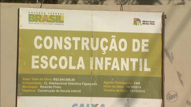 Obras atrasadas preocupam moradores em Ribeirão Preto, SP - O atraso na entrega de uma creche está deixando mães em casa, porque não há lugar para deixar o filho.