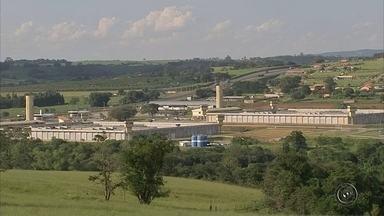 Canceladas visitas em penitenciária onde agente foi agredido em Capela do Alto - As visitas ao Centro de Detenção Provisória (CDP) de Capela do Alto (SP), onde um agente penitenciário de Itapetininga (SP) foi agredido, estão suspensas neste fim de semana. O comunicado foi divulgado no fim da tarde pela Secretária de Administração Penitenciária (SAP).