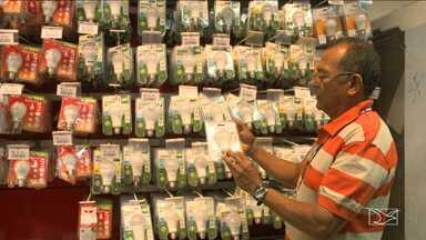 Inmeq fiscaliza qualidade de lâmpadas vendidas em São Luís - Inmeq fiscaliza qualidade de lâmpadas vendidas em São Luís