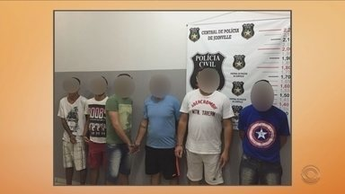 Polícia prende 11 suspeitos de facção criminosa em Joinville - Polícia prende 11 suspeitos de facção criminosa em Joinville