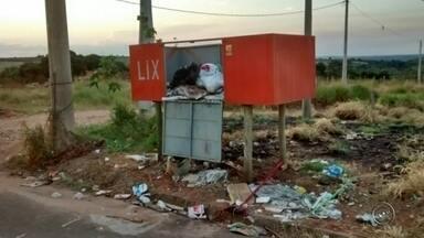 Moradores de Garça reclamam de acúmulo de lixo na cidade - Moradores do Jardim Imperial, em Garça (SP) estão incomodados com o acúmulo de lixo na cidade. Os resíduos não são coletados diariamente pelo serviço público da cidade.