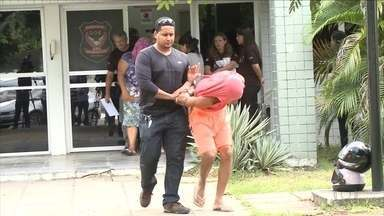 Operação prende 15 pessoas suspeitas de homicídios e tráfico de drogas - Detentos comandariam esquema de dentro de presídios.