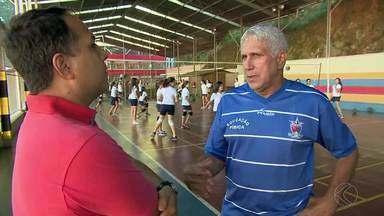 Professores relembram trajetória de Giovane Gávio em escola de Juiz de Fora - Juiz-forano será o primeiro brasileiro a carregar a tocha olímpica.