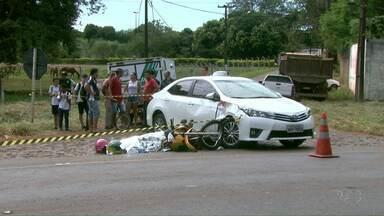 Foi enterrado hoje o corpo do motociclista que morreu em um acidente em Foz - A mulher dele, que estava de carona, continua internada no Hospital Municipal de Foz do Iguaçu.