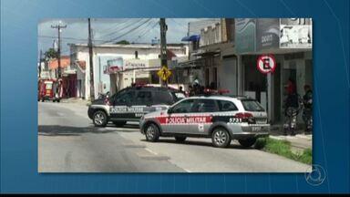 Assaltantes mantêm funcionários reféns em agência dos Correios em João Pessoa - Pelo menos três pessoas estavam sob o poder dos assaltantes às 9h50.