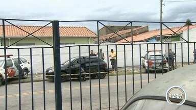 Um homem foi morto com seis tiros em frente a uma padaria em Taubaté - Crime foi no Jardim Ana Rosa.