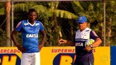 Com o respeito dos jogadores: conheça o trabalho do técnico interino do Cruzeiro - Geraldo Delamore vai comandar o time até o clube contratar o novo treinador