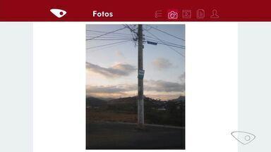 Telespectador envia foto de poste no meio da rua em Soteco na Viana ES - Prefeitura solicitou a retirada do poste para a EDP.