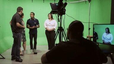 Hoje é dia de procurar emprego: currículo - Alexandre Henderson mostra como são feitos os vídeos-currículos