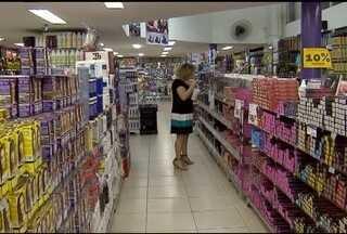 Apesar da crise, setor de cosmésticos mantém faturamento no mercado - Lojistas apostam em promoções para aumentar vendas.