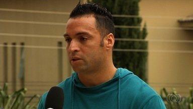Fora da primeira final, Daniel Carvalho torce por sucesso do Goiás - Meia-atacante está se recuperando de lesão muscular e comenta jogo contra o Anápolis neste domingo.
