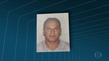 Bala perdida mata taxista, em Niterói - Carlos Alberto Gomes estava em um posto de gasolina. Ali perto, a polícia fazia uma operação. PMs disseram que não atiraram.