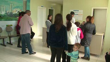 """Movimento grande nos postos de saúde no dia """"D"""" de vacinação contra a H1N1 em Guarapuava - A vacinação foi destinada pra quem faz parte dos grupos considerados prioritários."""