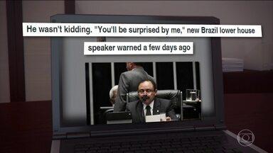 Reviravoltas políticas no Brasil ganham destaque na imprensa mundial - O vaivém do processo de impeachment de Dilma Rousseff ganharam amplo destaque na imprensa internacional. Os principais jornais americanos e europeus repercutiram a tentativa de anulação do processo de afastamento contra a presidente.