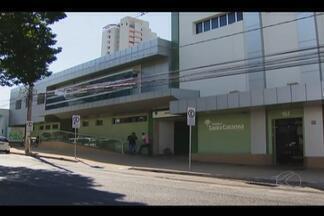 Hospital é interditado e servidores ficam sem atendimento em Uberlândia - Interdição do Hospital Santa Catarina foi realizada pelo Procon Estadual. Presidente do Sind-UTE falou sobre o assunto; diretoria não foi encontrada.