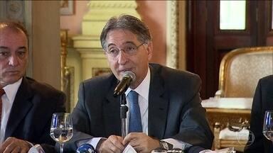Liminar suspende nomeação de mulher de governador de Minas - STJ tirou segredo de Justiça de investigação sobre Pimentel. Segundo investigações, ele teria recebido propina da Caoa.
