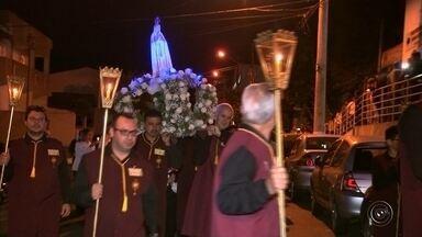 Católicos celebram o Dia de Nossa Senhora de Fátima em Itapetininga - Esta sexta-feira (13) foi comemorado o Dia de Nossa Senhora de Fátima. Em Itapetininga (SP), até domingo (15) tem festa em louvor à santa.