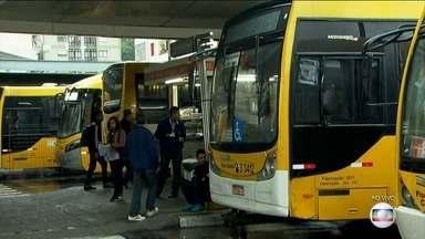 Motoristas de ônibus param por duas horas em São Paulo - A paralisação aconteceu porque trabalhadores e empresas não chegaram em um acordo durante as negociações sobre aumento salarial. O Sindicato dos Motoristas e Cobradores pede aumento real de 5%, mais a inflação dos últimos 12 meses.