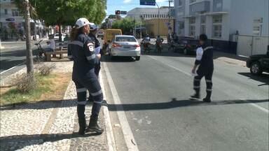 Agentes de trânsito de Patos, no Sertão da Paraíba, estão em greve - Paralisação já dura mais de 45 dias.